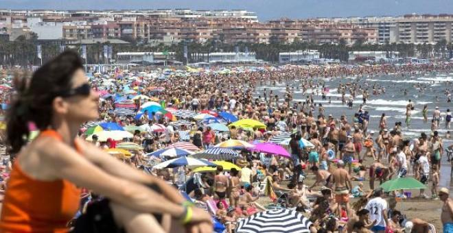 Andalucía saca de la economía sumergida 20.000 pisos turísticos clandestinos