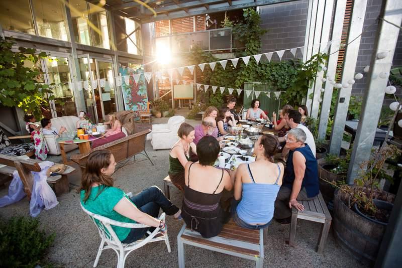 Qué es el Co-housing: Casas para envejecer con los amigos